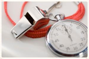 Silbato y cronómetro